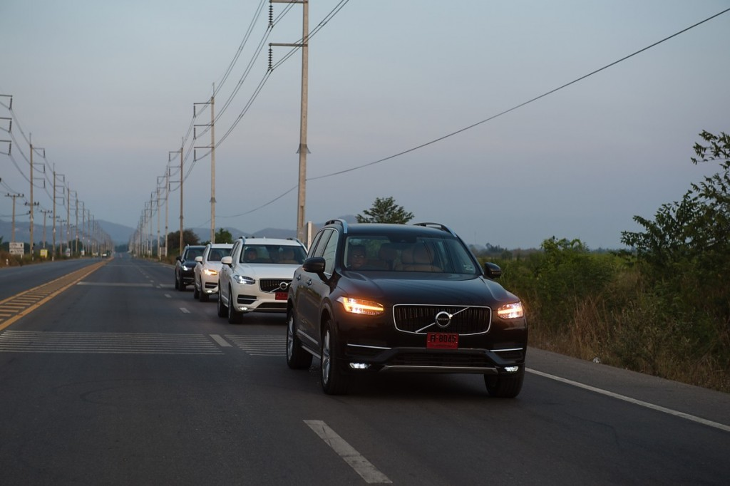 Volvo XC90 5D AWD Momentum review (3)