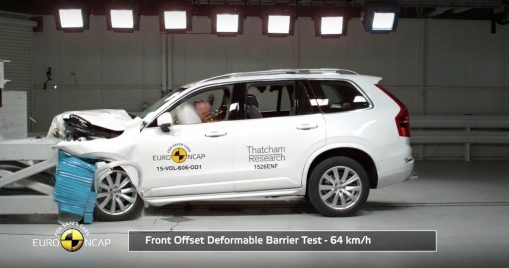 Volvo XC90 Crash Test 3