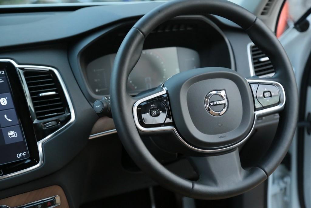 Volvo XC90 D5 AWD10