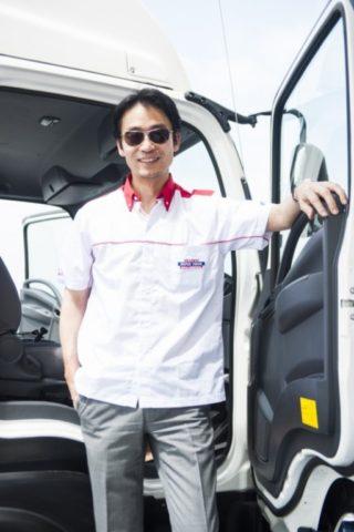 มร. โทชิอากิ มาเอคาวะ กรรมการผู้จัดการ บริษัท ตรีเพชรอีซูซุเซลส์ จำกัด 2