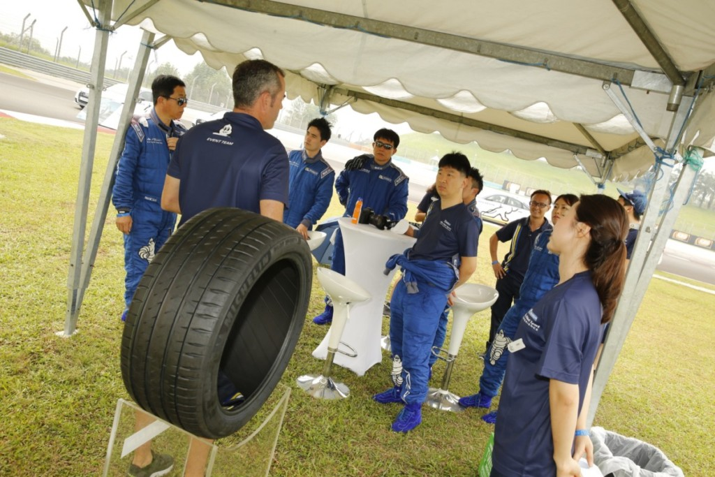 michelin-pilot-sport-4-105