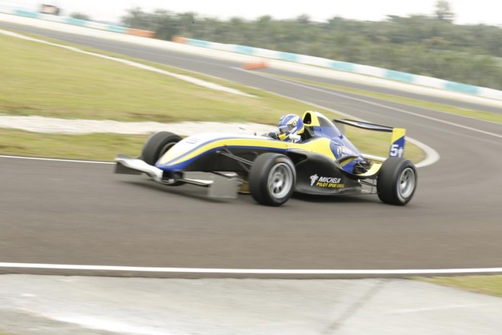 michelin-pilot-sport-4-123