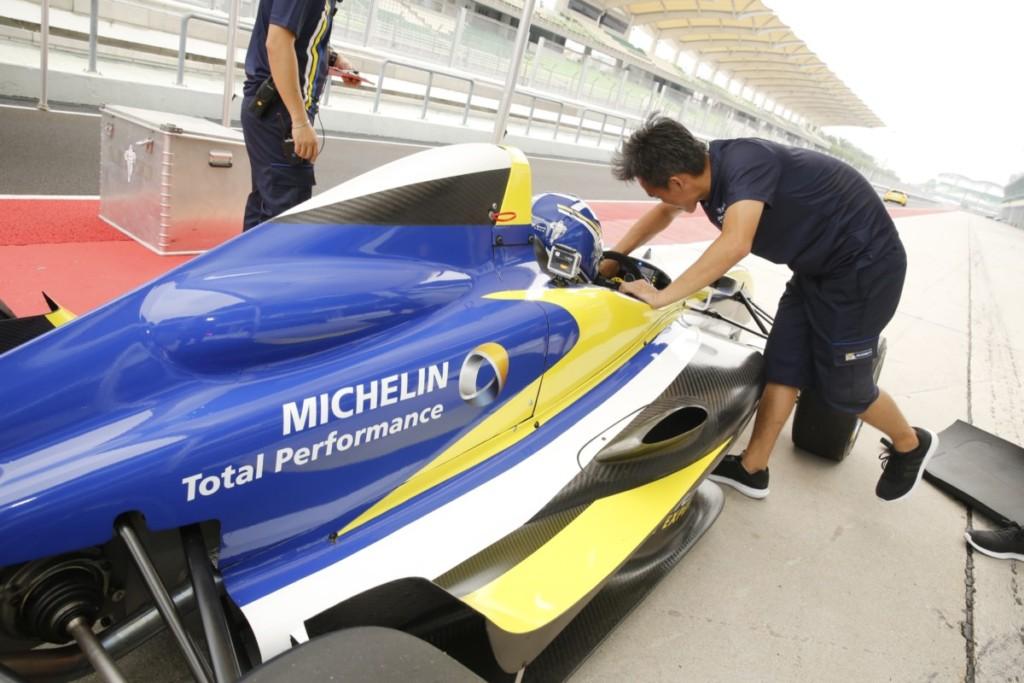 michelin-pilot-sport-4-128