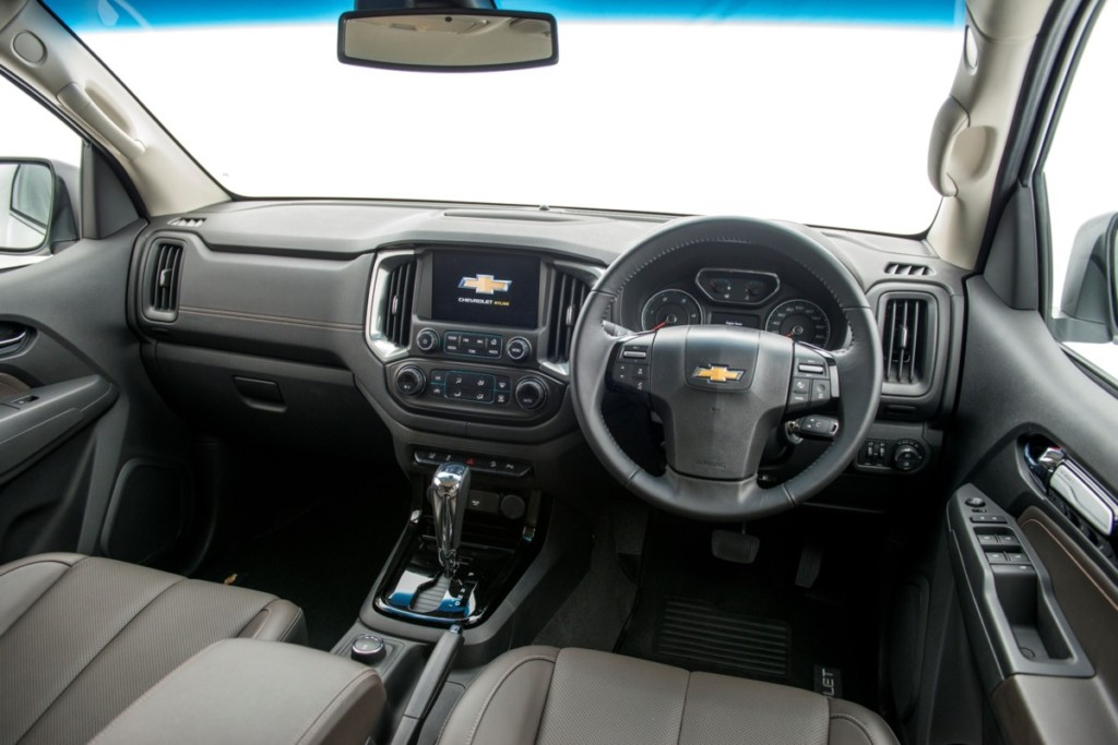 chevrolet-trailblazer-duramax-diesel-turbo-2-5-interior-1