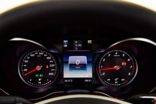 c-250-coupe-amg-dynamic-interior-10