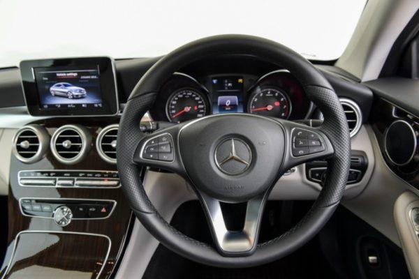 c-250-coupe-sport-interior-7