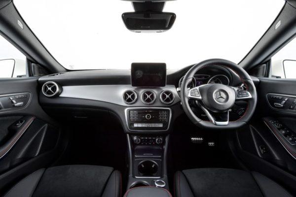 cla-250-amg-dynamic-interior-1