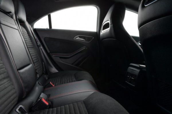 cla-250-amg-dynamic-interior-10