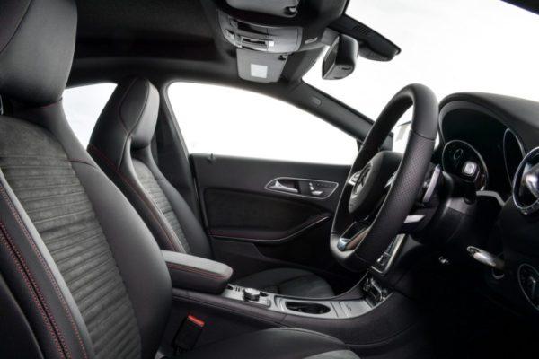 cla-250-amg-dynamic-interior-13