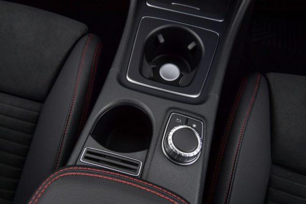 cla-250-amg-dynamic-interior-4