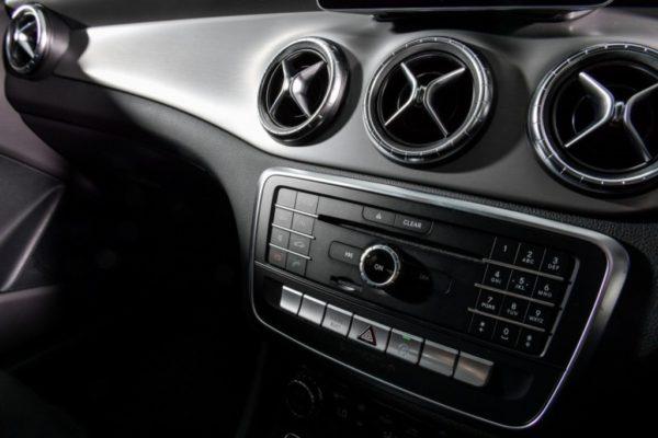 cla-250-amg-dynamic-interior-6