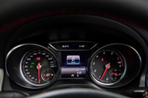 cla-250-amg-dynamic-interior-9