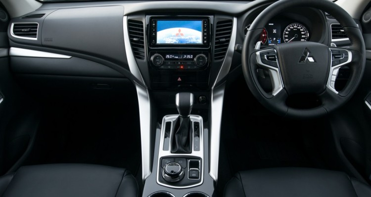 2015 All New Pajero Sport GT 4WD interior (11)
