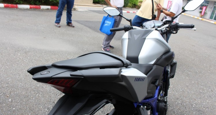 2015 Yamaha MT-03 (10)