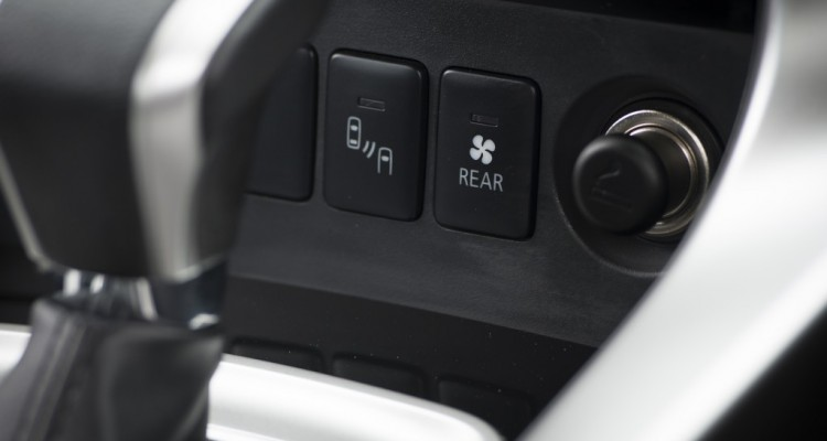 2015 Mitsubishi Pajero Sport Test บทความ (15)