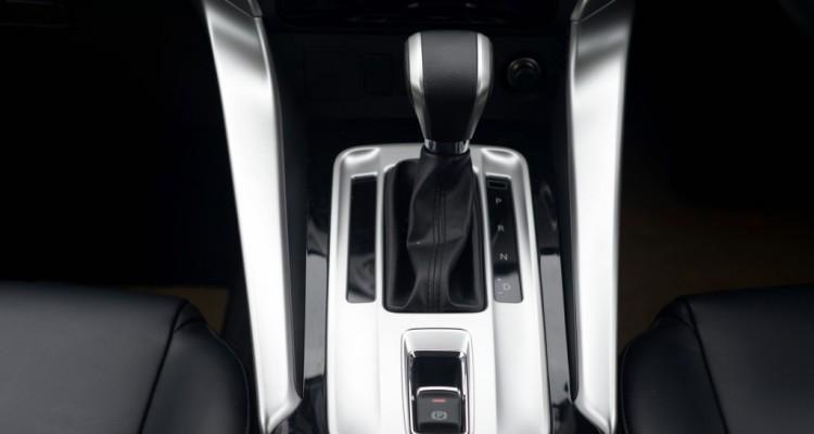 2015 Mitsubishi Pajero Sport Test บทความ (3)