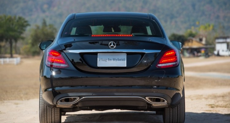 The C 350 e AMG Dynamic (Black)-11