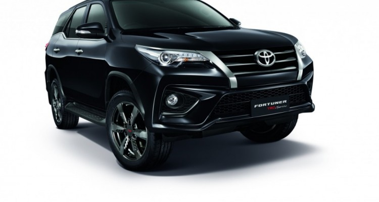 2016 Toyota Fortuner TRD Sportivo (3)