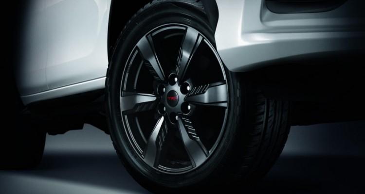 2016 Toyota Fortuner TRD Sportivo (3)