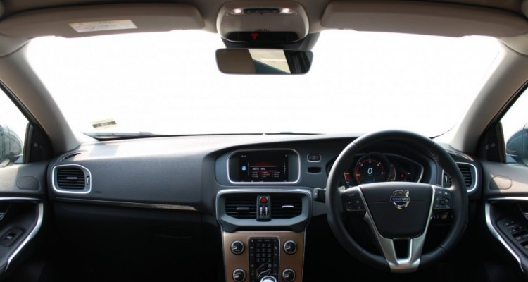Volvo V40 Cross Country Driveautoblog (21)