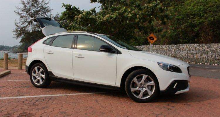 Volvo V40 Cross Country Driveautoblog (14)