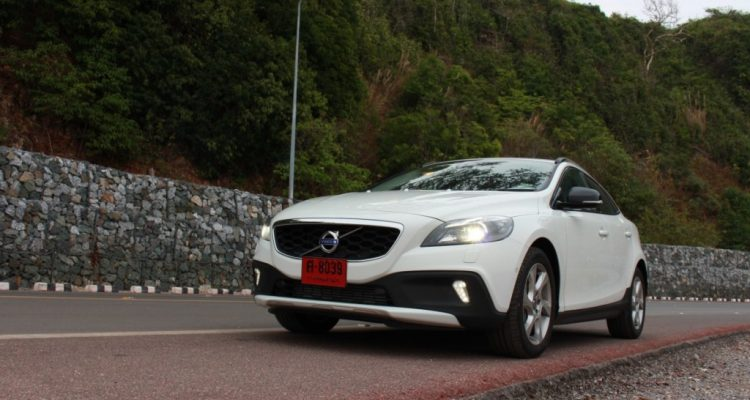 Volvo V40 Cross Country Driveautoblog (40)