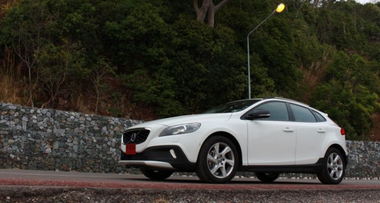 Volvo V40 Cross Country Driveautoblog (42)