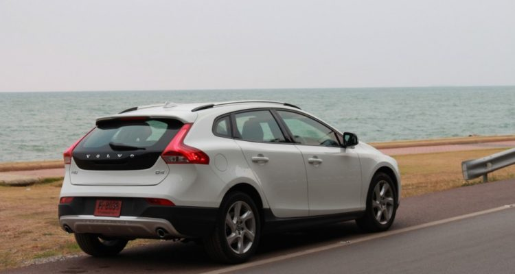 Volvo V40 Cross Country Driveautoblog (48)