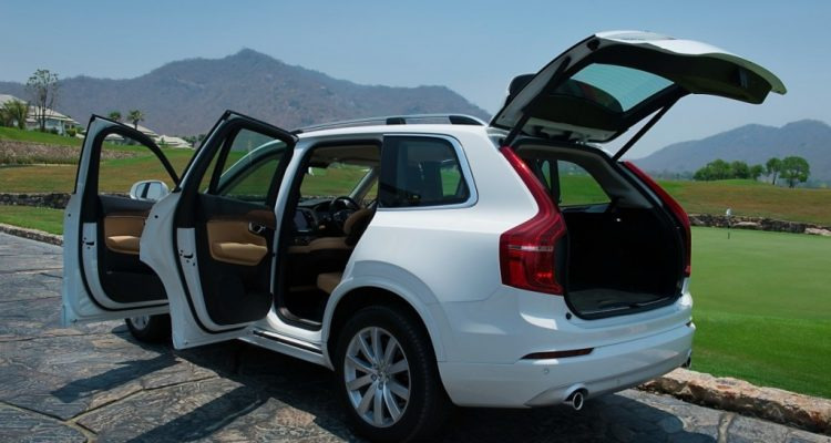 Volvo XC90 5D AWD Momentum review (13)