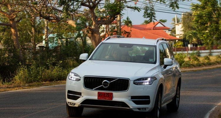 Volvo XC90 5D AWD Momentum review (5)