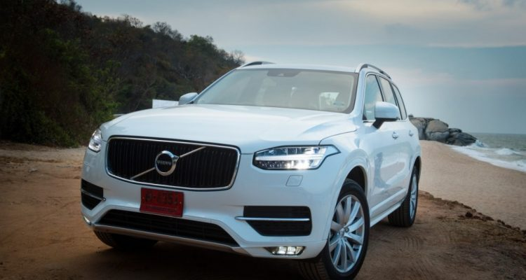 Volvo XC90 5D AWD Momentum review (6)