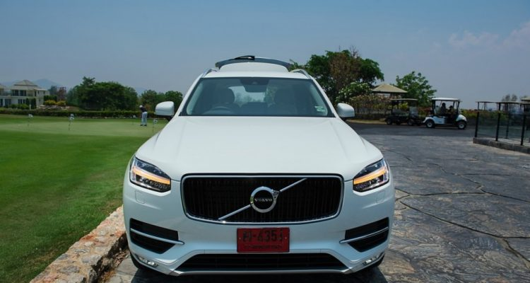 Volvo XC90 5D AWD Momentum review (7)